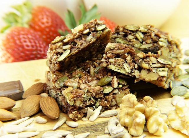 Barres de céréales maison au chocolat au lait arabica et fleur de sel marin