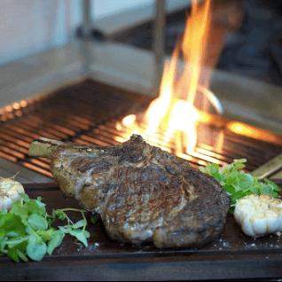 Côte de boeuf barbecue au gros sel