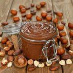 Recette de la pâte à tartiner aux noisettes et chocolat au lait coco vanille