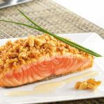 Recette du pavé au saumon à a confiture de citronnelle au gingembre confit et crumble de parmesan